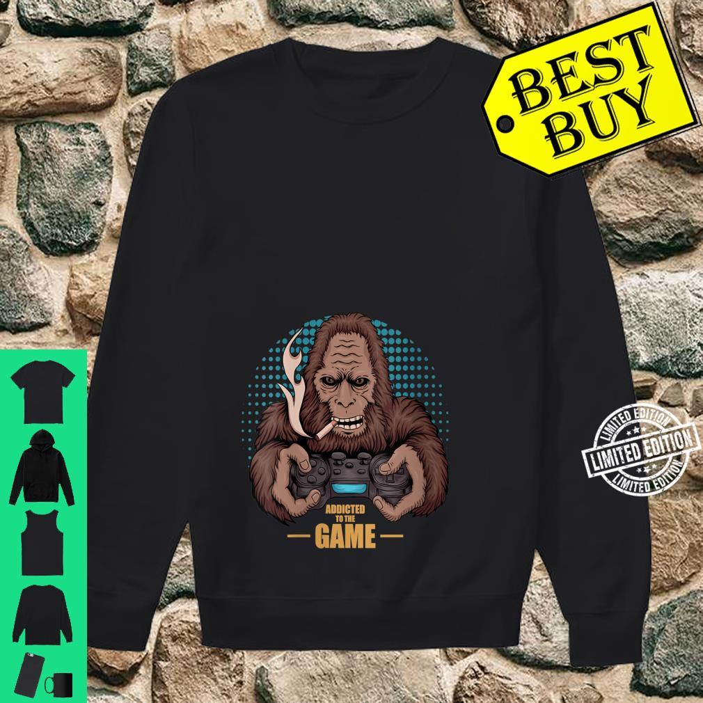 Womens Bigfoot Gamer design for video game addicts Shirt sweater